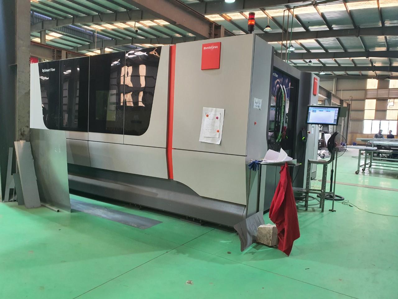 Máy móc gia công CNC
