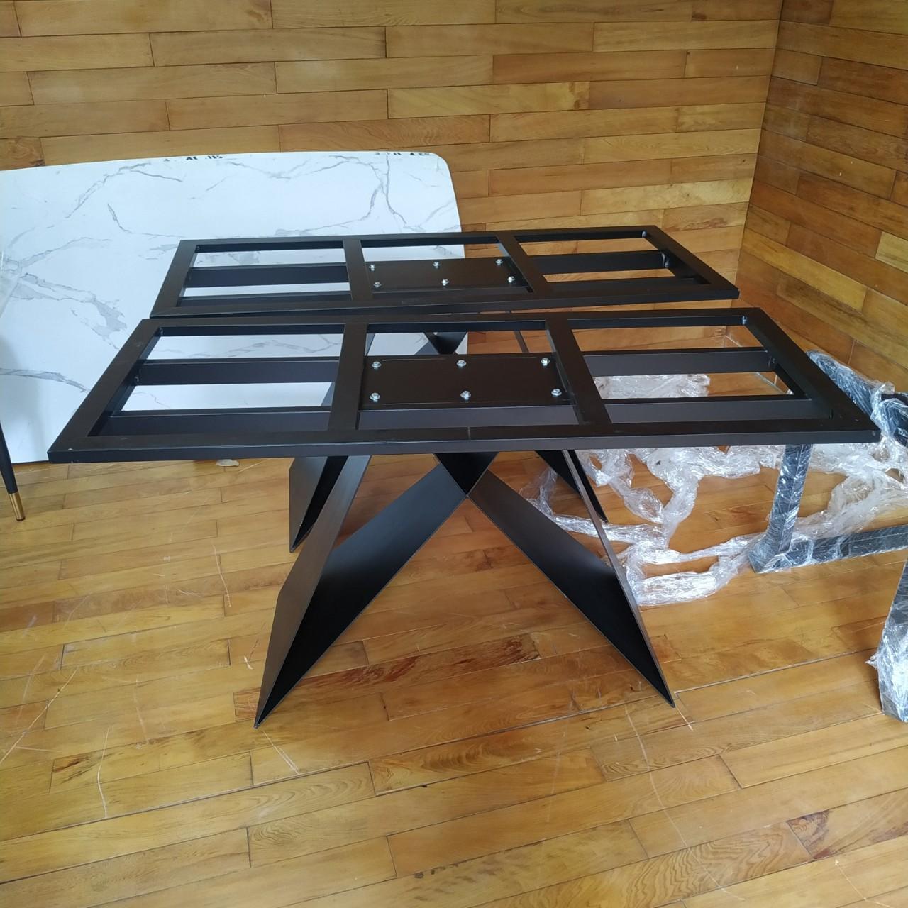 chân bàn ăn sắt sơn tĩnh điện